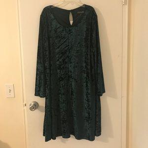 Lord & Taylor Context Shift Dress Velvet Green